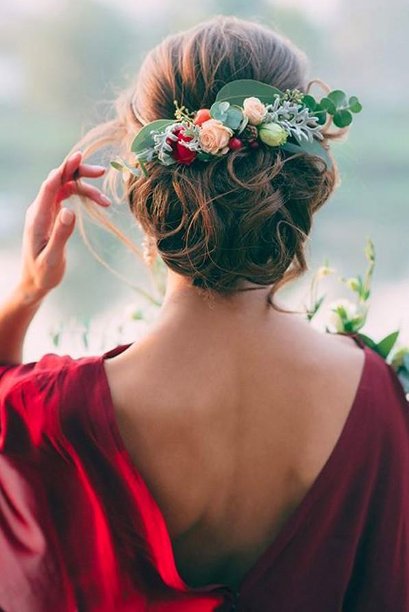 Τα πιο ρομαντικά messy updos | vita.gr