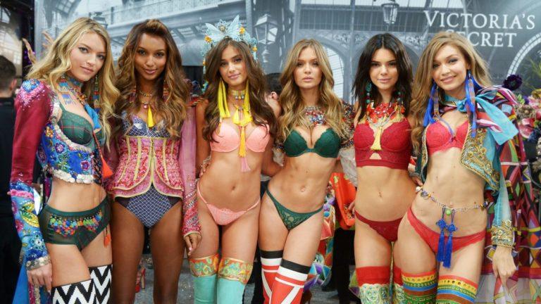 Το φαντασμαγορικό σόου της Victoria's Secret στο Παρίσι | vita.gr