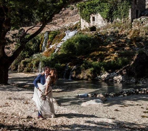 9 πόζες για να φωτογραφηθείς με τον αγαπημένο σου | vita.gr