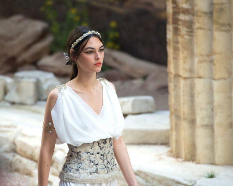 Chanel Cruise 2018: Εμπνευση από την Αρχαία Ελλάδα | vita.gr