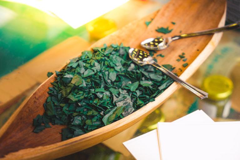 Σπιρουλίνα το μικρό φύκι που κρύβει 100 πολύτιμες ουσίες | vita.gr