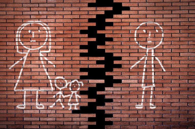 Είμαστε συγκάτοικοι για χάρη του παιδιού | vita.gr