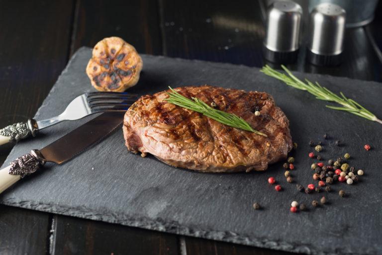Ξέρετε πώς να ψήσετε το κρέας; Δεν θέλει κόπο, θέλει τρόπο | vita.gr