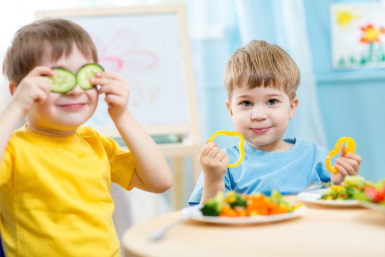 Πώς θα πείσετε το παιδί σας να φάει λαχανικά | vita.gr