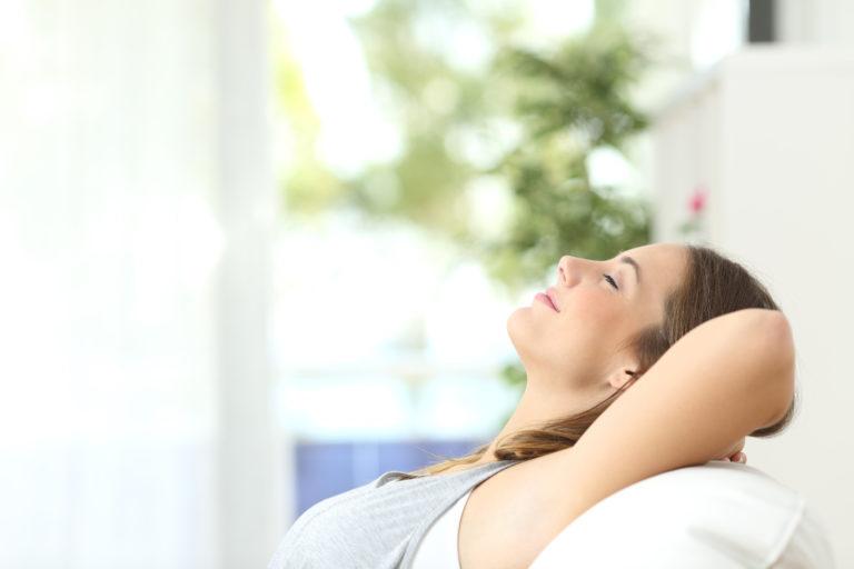 6 φυσικοί τρόποι για να «καθαρίσετε» τον αέρα του σπιτιού σας | vita.gr