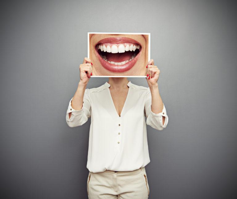 Περιοδοντίτιδα: Πώς δεν θα χάσετε τα δόντια σας | vita.gr
