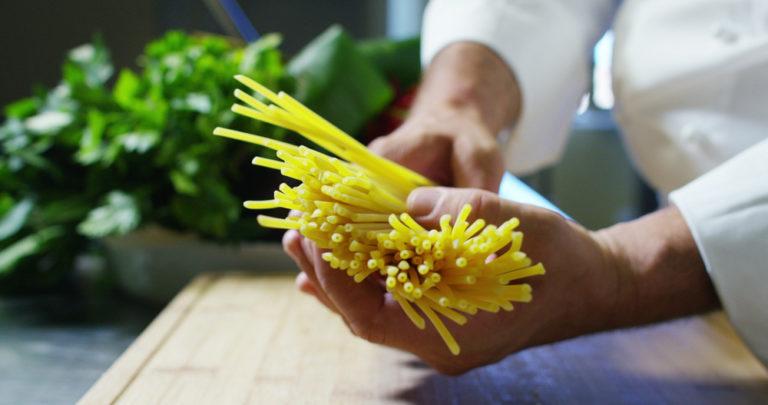 Πως θα χάσετε κιλά τρώγοντας ζυμαρικά | vita.gr