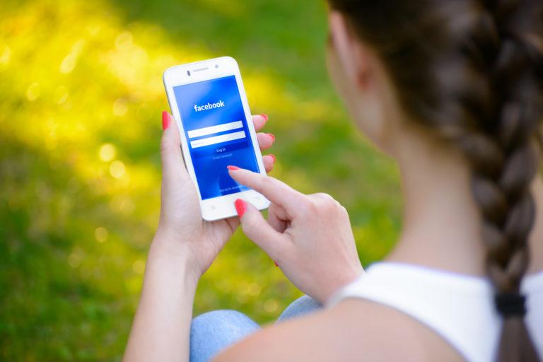 Πώς ο καιρός επηρεάζει τις αναρτήσεις μας στα social media | vita.gr