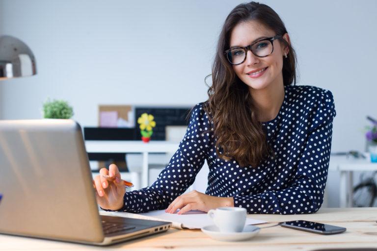 Είναι πιο έξυπνοι όσοι φοράνε γυαλιά; | vita.gr