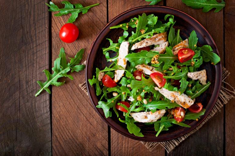 Σαλάτα που 'γινες πλήρες γεύμα! | vita.gr
