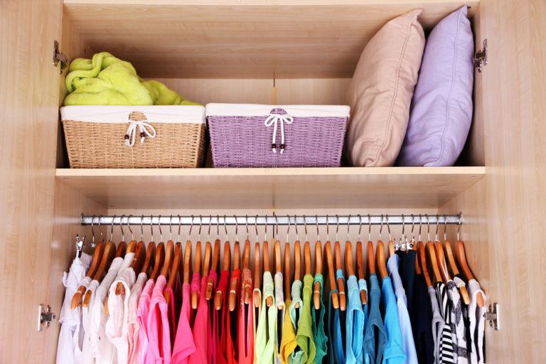 Πώς θα σώσουμε τα ρούχα μας από τον σκόρο | vita.gr