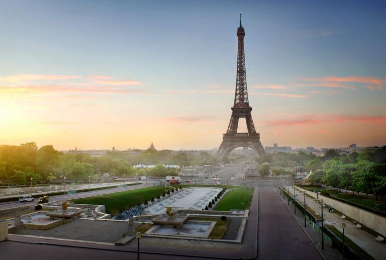 Ενας χρόνος στο Παρίσι ισοδυναμεί με το κάπνισμα 183 τσιγάρων | vita.gr