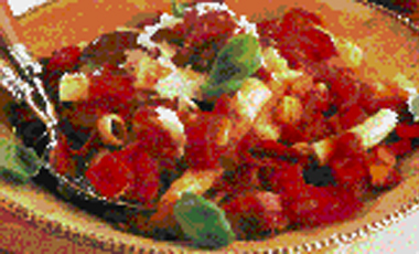 Mακαρόνια με πιπεριές και ντομάτες | vita.gr