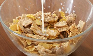 Κορνφλέικς και άσπρο ψωμί βλάπτουν την υγεία   vita.gr