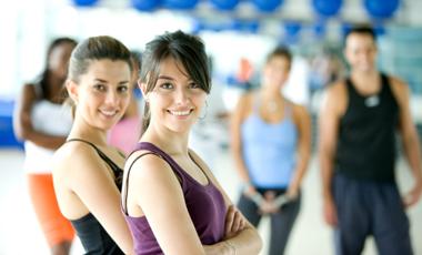 Άσκηση: Πιο ωραία με παρέα! | vita.gr