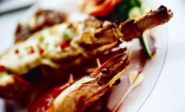 Καραβίδες με σάλτσα μελιού | vita.gr