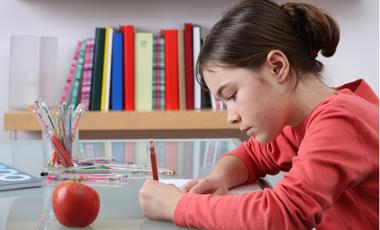 Περιπετειώδεις δεξιόχειρες vs καλλιτέχνες αριστερόχειρες | vita.gr