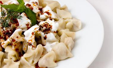 Mακαρόνια με γιαούρτι και μαϊντανό | vita.gr