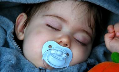 Μητρικό γάλα για καλύτερο ύπνο   vita.gr