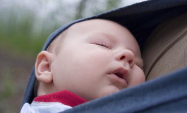 «Δέστε» το μωρό σας πάνω σας! | vita.gr