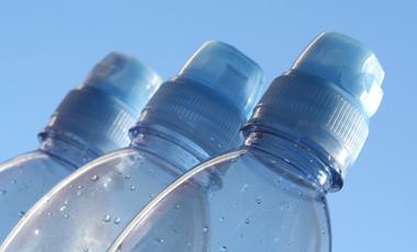 Τα πλαστικά βλάπτουν τη στύση | vita.gr