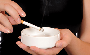 Γεμάτα βακτήρια τα τσιγάρα | vita.gr