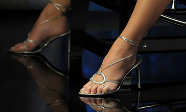 Τα ψηλά τακούνια προκαλούν αρθρίτιδα | vita.gr