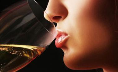 Καρκίνος του μαστού: ένοχο και το λίγο αλκοόλ | vita.gr