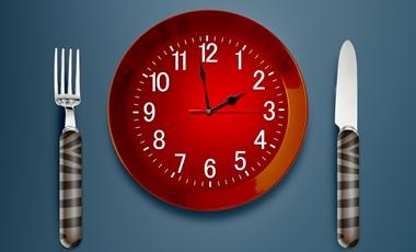 Το μεσημεριανό αδυνατίζει, αλλά θέλει timing | vita.gr