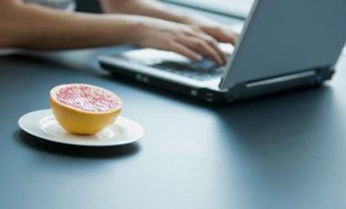 Αδυνατίζει το Ίντερνετ; | vita.gr