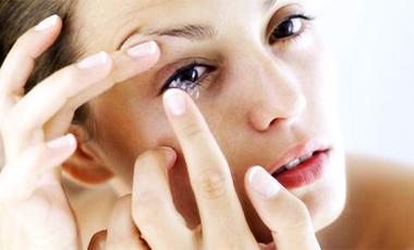 Αμελείς με τους φακούς επαφής   vita.gr