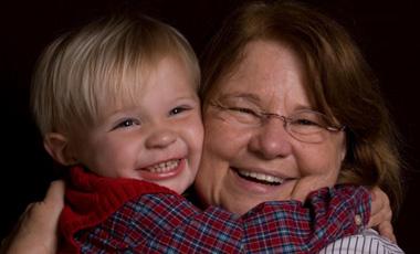 Νωρίς… γιαγιά, όποια δεν είναι δεμένη με την κόρη της | vita.gr