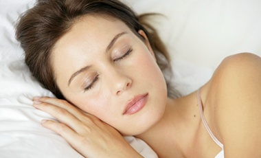 Ακόμη και μία νύχτα κακού ύπνου μειώνει το μεταβολισμό   vita.gr