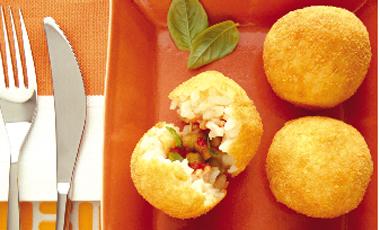 Ρυζοκεφτέδες με 3 τυριά | vita.gr