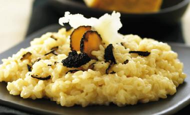 Ριζότο με μαύρη τρούφα | vita.gr