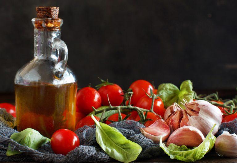 Μεσογειακή διατροφή: Τα πέντε οφέλη της για την υγεία σας | vita.gr