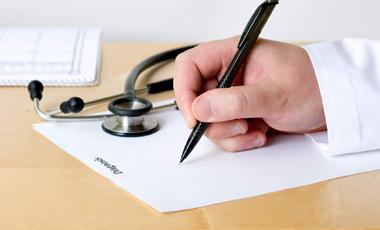 Οι γιατροί «γράφουν» πολλά αντιβιοτικά | vita.gr