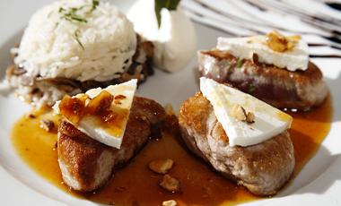 Ψαρονέφρι με μανούρι και σύκα σε σάλτσα από μέλι & αμύγδαλα | vita.gr