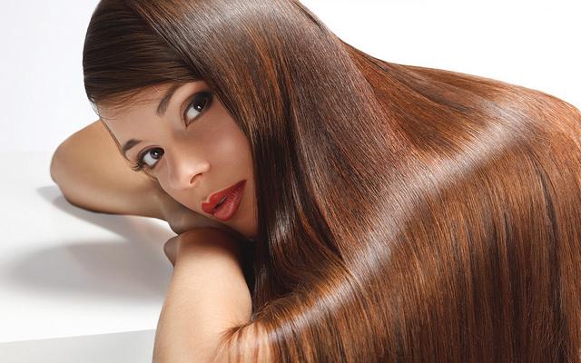 Το κόλπο για να μακρύνουν απίστευτα τα μαλλιά σας | vita.gr