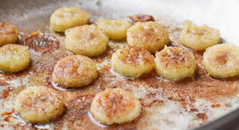Τηγανητές μπανάνες με κανέλα και μοσχοκάρυδο | vita.gr