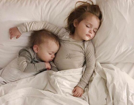 Γιατί τα παιδιά βρέχουν το κρεβάτι τους και πότε σταματάει | vita.gr