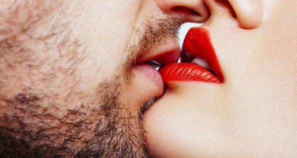 Όταν ο σύντροφος προτείνει πιο 'πικάντικο' σεξ | vita.gr