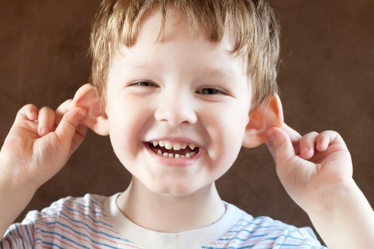 Το παιδί σας υπερβάλει ή απλά φέρεται σαν την ηλικία του; | vita.gr