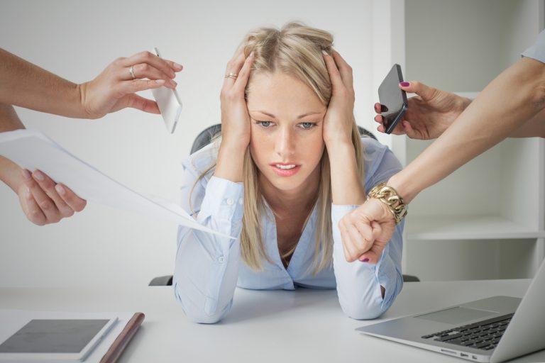 Οταν ο σύντροφός σας παραπονιέται ότι δουλεύετε πολύ | vita.gr
