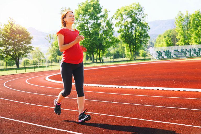 Είναι ασφαλές να κάνω τζόκινγκ στην εγκυμοσύνη; | vita.gr