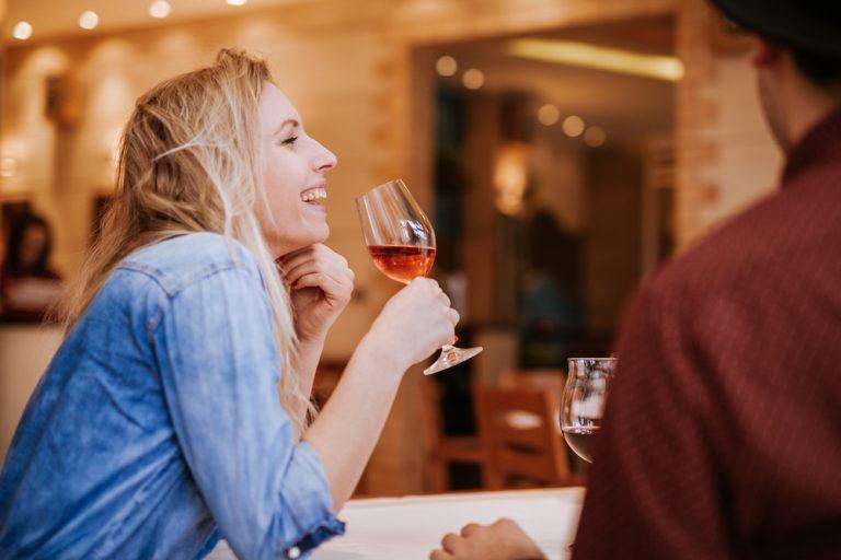Ένα κρασάκι την ημέρα αυξάνει τον κίνδυνο πρόωρου θανάτου | vita.gr