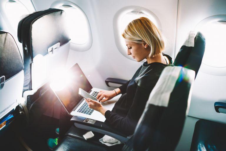 Τα ταξίδια με αεροπλάνο λειτουργούν ως φυσικός εμβολιασμός | vita.gr