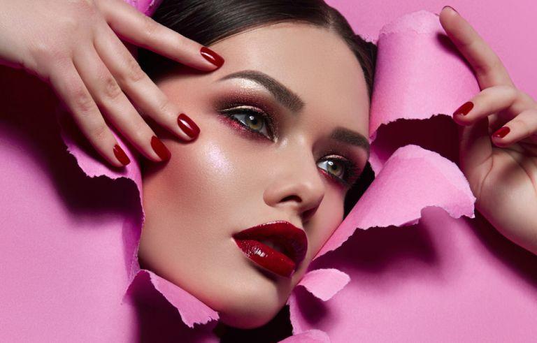 Πέντε βήματα για να δείξουν τα χείλη σας μεγαλύτερα | vita.gr