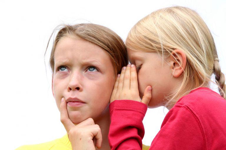 Παιδί και κουτσομπολιό: πώς θα το αποτρέψετε | vita.gr