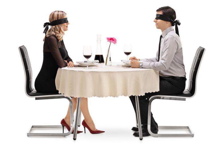 Να τολμήσω το τυφλό ραντεβού; | vita.gr